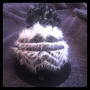 Express Pom Beanie Women's Winter Hat